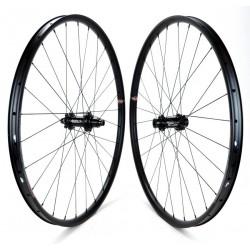 "oppia ruote Velocity BLUNT SS 27.5"" 30mm / Carbon-Ti X-HUB MTB SP da 1.280g"